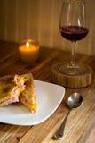Smörgås och vin Royaltyfri Bild