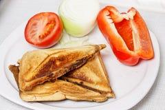 Smörgåsar med grönsaker. Fotografering för Bildbyråer