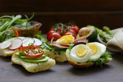 Smörgåsar med olika fyllningar Royaltyfri Foto