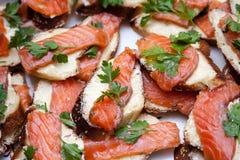 Smörgåsar med rött fiskkött Royaltyfri Fotografi