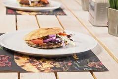 Smörgåsar på tabellen Royaltyfria Bilder