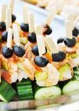 Smörgåsar som göras av ny gurkor och shrimsp Royaltyfri Foto