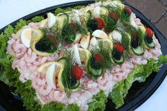 Smörgåstårta med skaldjur Arkivbilder