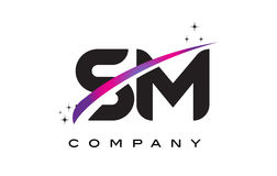 SM S M Black Letter Logo Design met Purpere Magenta Swoosh royalty-vrije illustratie