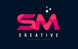 SM S M Letter Logo avec le bas poly concept rose pourpre de triangles Image libre de droits
