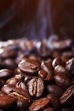 smażąca fasoli kawa Fotografia Royalty Free