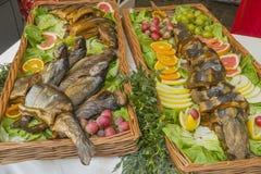 Smażąca ryba na półmisku obraz royalty free
