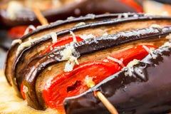 Smażący Courgettes faszerujący z serem, pomidory fotografia royalty free