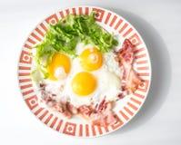 Smażący jajka whit bekon Zdjęcia Royalty Free