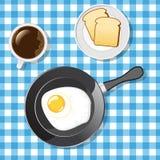 Smażący jajko z grzankami i kawą Obrazy Stock
