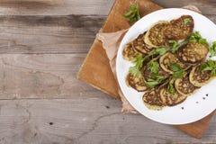 Smażący jarscy cutlets na ciemnym drewnianym tle Żywienioniowa dieta obrazy stock