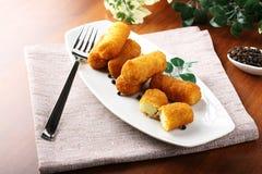 Smażący kartoflani croquettes Zdjęcia Stock