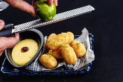 Smażący mozzarella sera kije Fotografia Stock