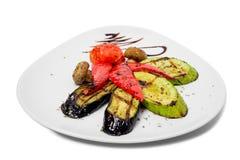 smażący oberżyny wyśmienicie jedzenie piec na grillu pieczarek odżywczych smakowitych pomidorów pożytecznie warzywa jarskich Obrazy Royalty Free