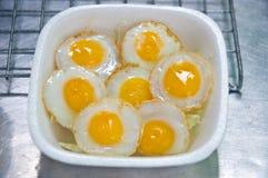 Smażący przepiórki jajko Fotografia Stock
