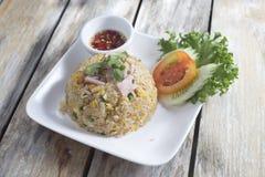 Smażący ryż z baleronem Zdjęcie Royalty Free