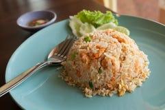 Smażący ryż z garnelą. Fotografia Royalty Free