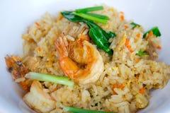 Smażący ryż z garnelą Obrazy Royalty Free
