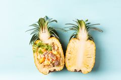 Smażący ryż z wieprzowiną w przyrodniej ananasowej owoc, Tajlandzka kuchnia Zdjęcia Stock
