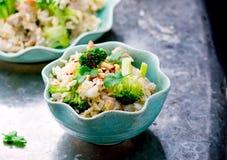 Smażący ryż z wieprzowiną, warzywami i jajkami, Zdjęcie Royalty Free