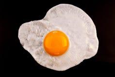 smażący w górę widok zamknięty jajko Fotografia Stock