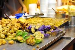 Smażący warzywa przy Hong Kong jedzenia ulicznym kramem Zdjęcia Royalty Free