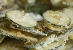 Smażący zucchini zdjęcia royalty free