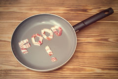 Smaży niecka z wpisowym jedzeniem Zdjęcie Royalty Free
