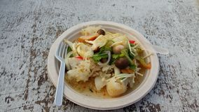 Smak för disk för Yum Yum Thailand Thailand champinjon kryddig, söt och sur, Arkivbild