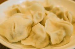 Smaka l?cker kinesisk klimpjiaozi royaltyfria bilder