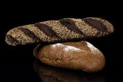 Smakelijk bruin brood Stock Afbeeldingen