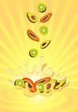 Smakelijk fruit in yoghurt Royalty-vrije Stock Afbeeldingen