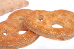 Smakelijk gebakken pretzelskoekje stock foto's