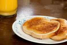 Smakelijk voedsel om de ochtend te beginnen Royalty-vrije Stock Foto's