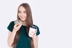 Smakelijke doughnut en koffie Stock Afbeelding