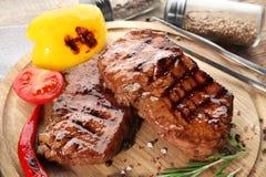 Smakelijke geroosterde lapjes vlees Stock Foto's