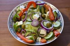 Smakelijke Griekse salade Royalty-vrije Stock Foto's