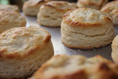 Smakelijke koekjes met aardbei Stock Foto's