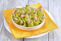 Smakelijke kruidige courgettebroodjes met haringen Stock Afbeelding