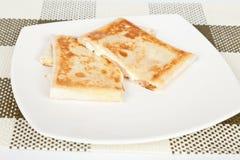 Smakelijke quesadilla met ham Stock Fotografie