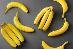 Smakelijke rijpe bananen stock foto's