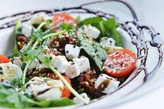 Smakelijke salade Stock Afbeeldingen