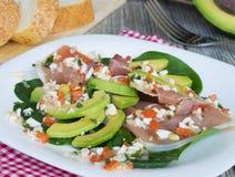 Salade met avocadoan? prosciutto Stock Fotografie