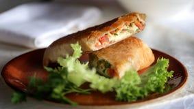 Smakelijke sandwich van pitabroodje Stock Afbeeldingen