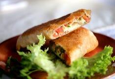 Smakelijke sandwich van pitabroodje Stock Foto