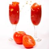 Smakelijke tomatesap en tomaat Stock Foto's