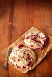 Smakelijke twee homebaked koekjes Stock Afbeeldingen