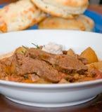 Smakelijke vlees en aardappelhutspot Royalty-vrije Stock Foto's