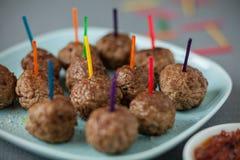 Smakelijke vleesballetjes voor partijsnacks Stock Foto's