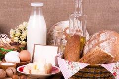 Smakelijke voedselingrediënten en baksel Stock Foto